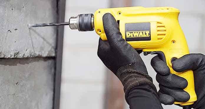 Kekurangan dan Kelebihan Mesin Bor Dewalt DWD014 10mm Rotary Drill