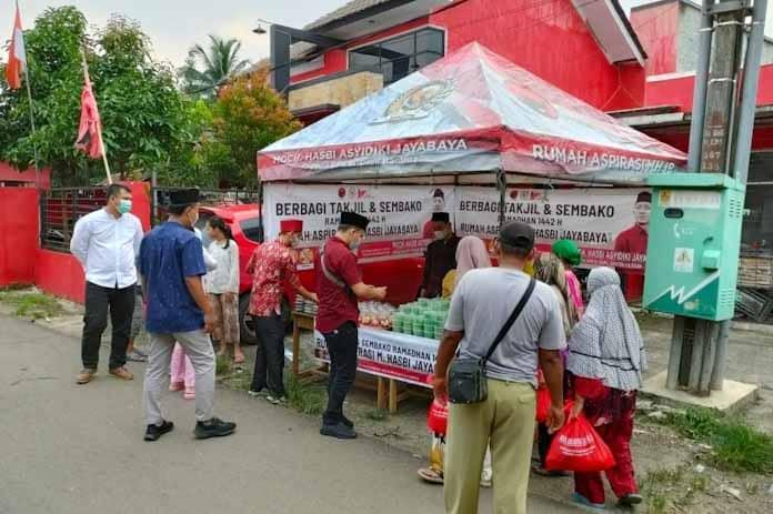 Safari Ramadhan 1442 H, Rumah Aspirasi Hasbi Jayabaya Bagikan Takjil dan Sembako