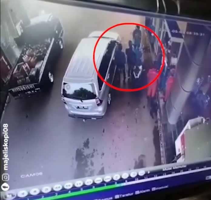 Terekam CCTV di SPBU, Viral Seorang Pria di Lebak Dianiaya Oknum Mengaku Polisi, Polda Banten Respon Cepat Kejar Pelaku