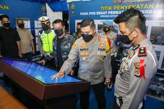 Kunjungi Posyan Citra Raya, Kapolda Banten Apresiasi Panel Data Digital dan Stand Kopi Gratis