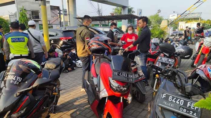 Puluhan Orang Pelaku Ajakan Mudik Ke Sumatera Diamankan Polres Cilegon di Pelabuhan Merak