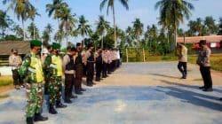 Ratusan Personil Gabungan TNI Polri dan Pol PP Dispar Lebak Kosongkan Tempat Wisata Pantai