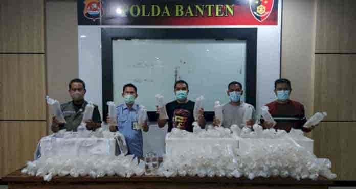 Polda Banten Ciduk Penyelundup 34.992 Bibit Lobster, Uang Negara Rp3,5 M Terselamatkan