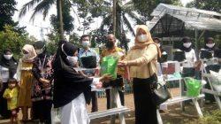 Dinas Pertanian Kota Serang dan Ibu Camat Curug Berikan Bantuan P2L Ke KWT Dahlia Kampung Ciwengker
