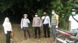 Cegah Covid-19, Satgas Covid-19 Kelurahan Curug Semprotkan Desinfektan