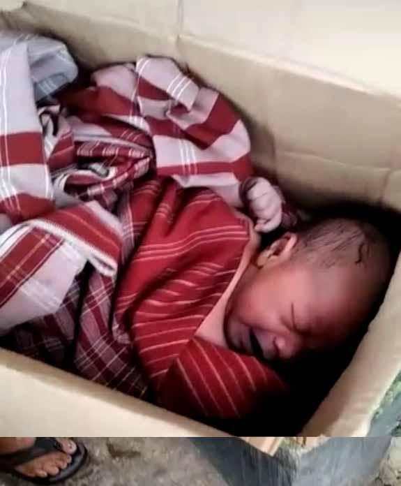 Geger, Warga Cibuah Temukan Bayi Tergeletak Didalam Kardus Diselimuti Sarung