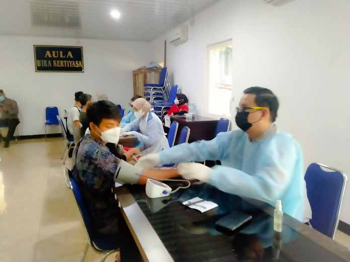 Polres Serang Kota Gelar Gerai Vaksinasi Covid-19 Massal