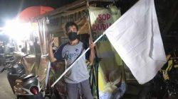 PPKM Level 4, PKL di Balong Rancalentah Kibarkan Bendera Putih