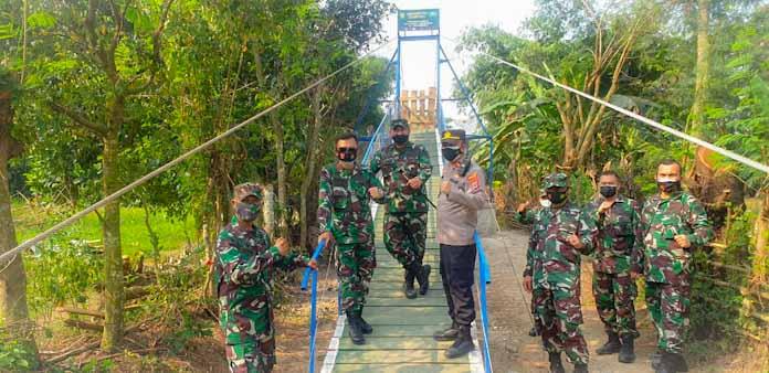 Danrem 064/MY Bersama Dandim 0602/Serang Tinjau Pembangunan Jembatan Gantung Siliwangi 6
