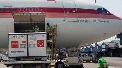 Pengiriman vaksin Covid-19 tahap ke-21 tiba di Bandara Soekarno-Hatta, Tangerang, Banten, Senin (12/07/2021) siang.