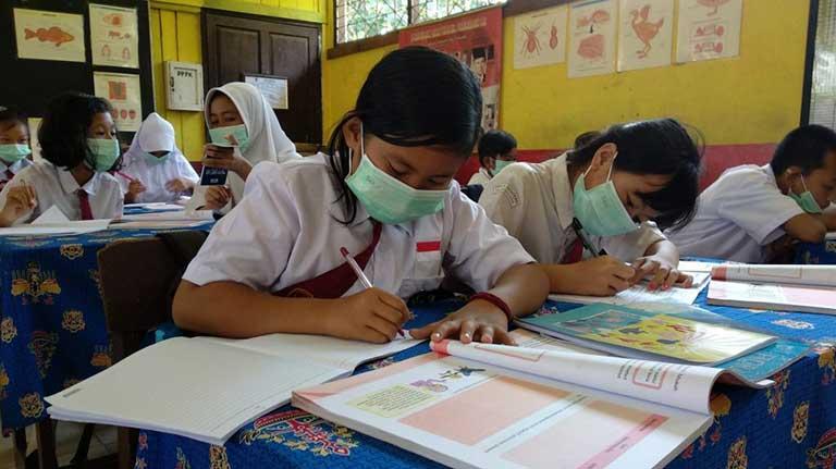 Persiapan Sekolah Tatap Muka, Pelajar di Banten Mulai Divaksinasi