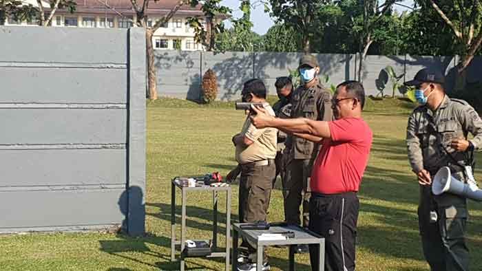 Jaga Sinergitas, Korem 064/MY Dan Polda Banten Gelar Latihan Menembak Bersama