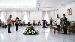 Wakil Gubernur Banten Andika Hazrumy secara resmi menerima penghargaan tersebut dari Wakil Presiden RI KH Maruf Amin di Istana Wapres, Jakarta, Senin (13/9/2021).