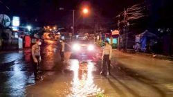 Antisipasi Banjir, Sat Samapta Polres Lebak Patroli Malam Cek Debit Air Sungai Ciujung
