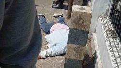 Seorang pria bernama M Rizki warga Perum Bukit Permai, Kecamatan Serang, Kota Serang tabrak pembatas jalan di Ciracas Serang.