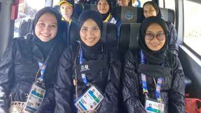 Di Jayapura Kontingen Banten Memakai Baju Adat Baduy