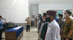 Camat Maja Edi Nurhedi S.sos saat membacakan naskah Deklarasi Damai dihadapan seluruh Cakades 11 Desa Se Kecamatan Maja, di Aula Kantor Kecamatan setempat, Jum'at (15/10/2021).