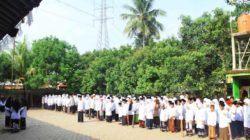Peringati HSN 2021, Santri di Ponpes Al Falah Gelar Upacara